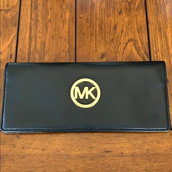 Michael Kors Black Leather Wallet / Wristlet NWOT
